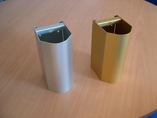 pieces metalliques anodisees